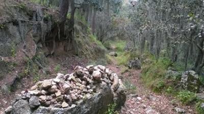 LEYENDA DE LA PIEDRA SOBRE PIEDRA